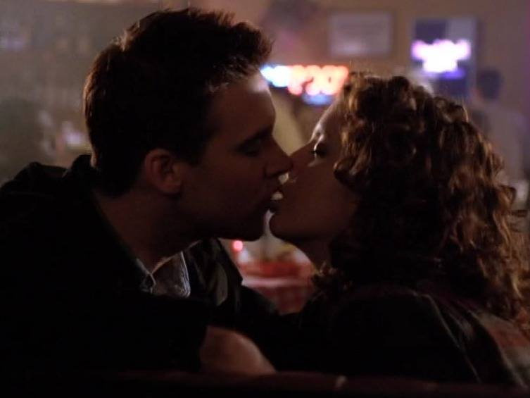 Lest you forget that people made out all the fucking time in Season One!